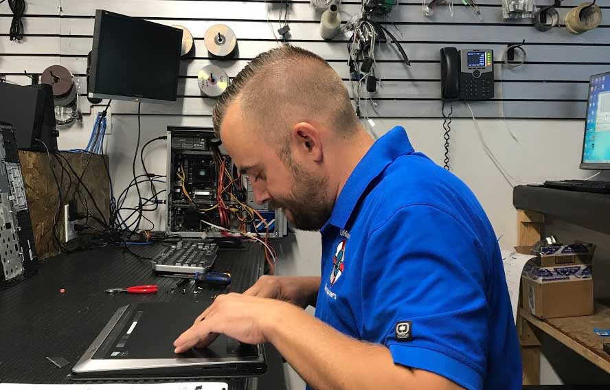 computer repair expert genius geek nerd